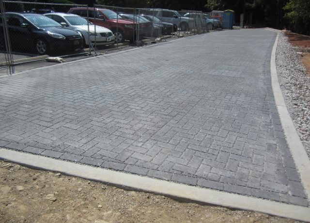 Permeable Pavement Portfolio : cary-parking-lot-1